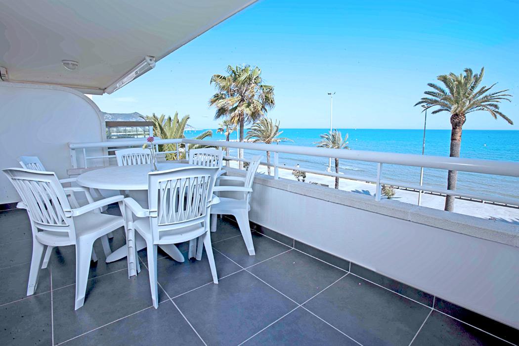Apartamentos delante playa Sitges